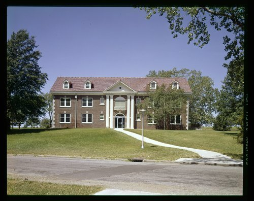 Murphy Research Building, Menninger Clinic West Campus, Topeka, Kansas - Page