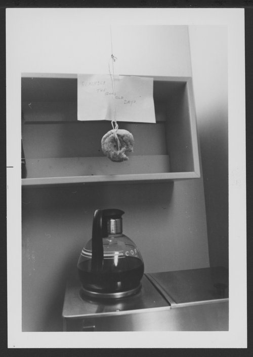 Passing of the free donut (Menninger Clinic, Topeka, Kansas) - Page
