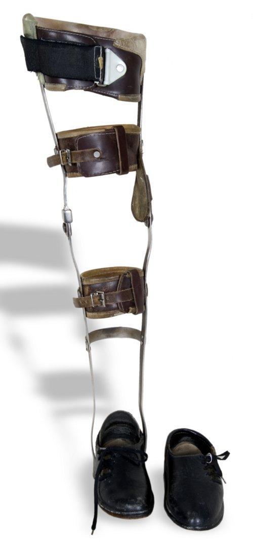 Leg brace - Page