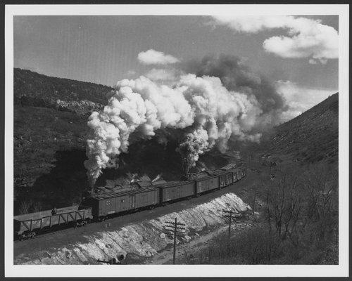 Atchison, Topeka & Santa Fe Railway Company trains, Raton, New Mexico - Page