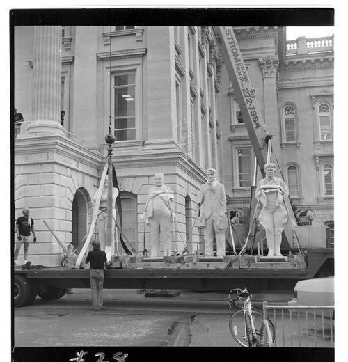 Statehouse statues, Topeka, Kansas - Page