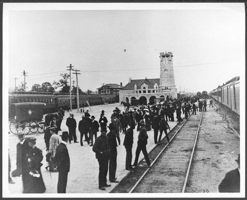 Atchison, Topeka & Santa Fe Railway Company depot, Shawnee, Oklahoma - Page
