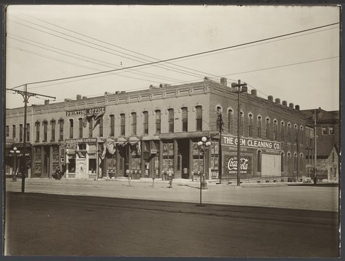 800 block of Kansas Avenue, Topeka, Kansas - Page