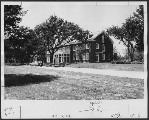 Neiswanger Building, Menninger Foundation, Topeka, Kansas - Page