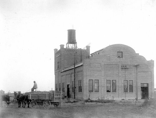 Unidentified structure at the United States Sugar and Land Company in Garden City, Kansas - Page