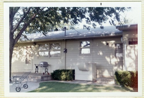Dr. John and Marion Reynold's house in Topeka, Kansas - Page