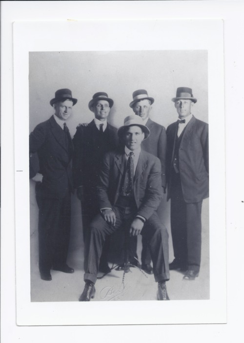 Jess Willard with his trainers - Page