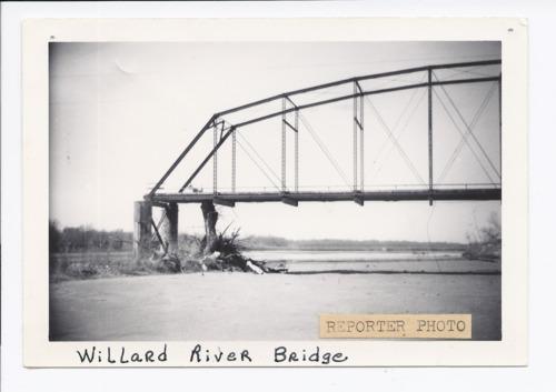 Willard bridge crossing the Kansas River, Willard, Kansas - Page