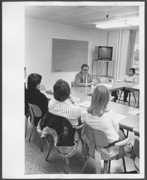 Dean Collins, M.D., teaching at the Menninger Clinic, Topeka, Kansas - Page