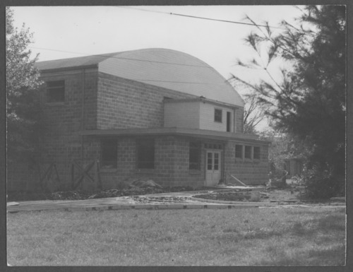 Construction of Hopkins Gymnasium, Menninger Clinic,Topeka - Page
