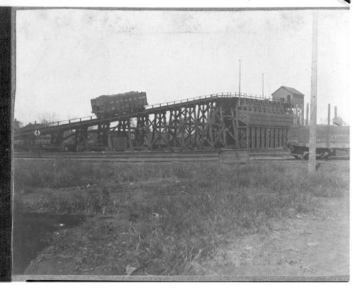 Atchison, Topeka & Santa Fe Railway coal chute in Topeka, Kansas - Page