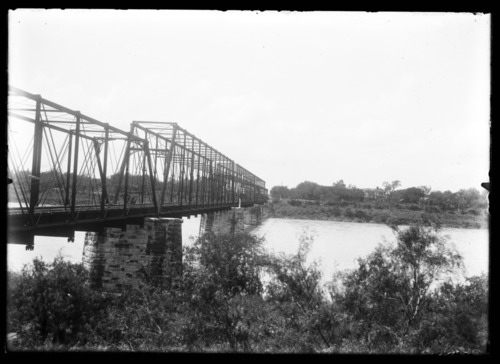Atchison, Topeka & Santa Fe Railway Company bridge in Topeka, Kansas - Page