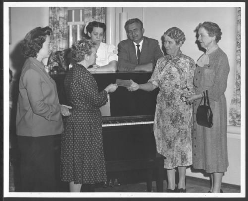 Piano presentation at the Osawatomie State Hospital - Page