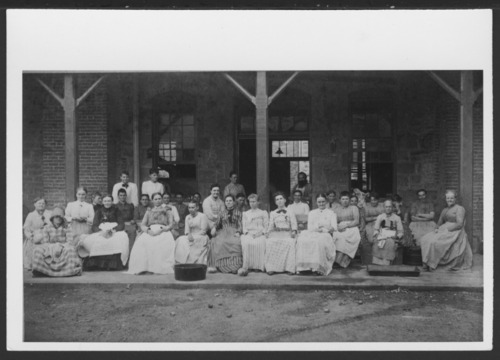 Kitchen workers at the Topeka State Hospital in Topeka, Kansas - Page