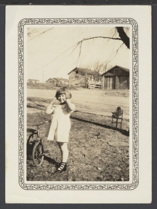 Young girl in Cimarron, Kansas - Page