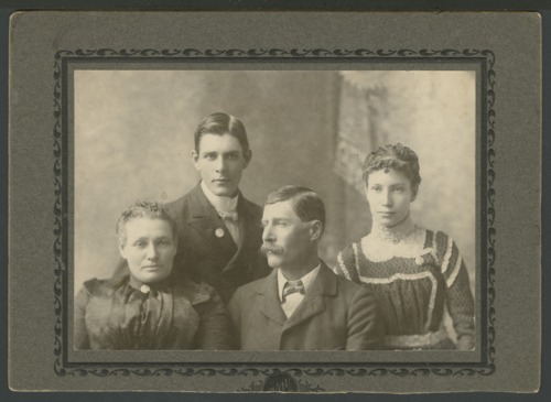 Henry O. and Emma Newton with children - Page