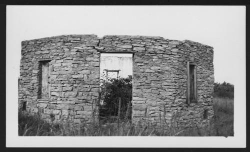 Octagonal house, Valencia, Kansas - Page