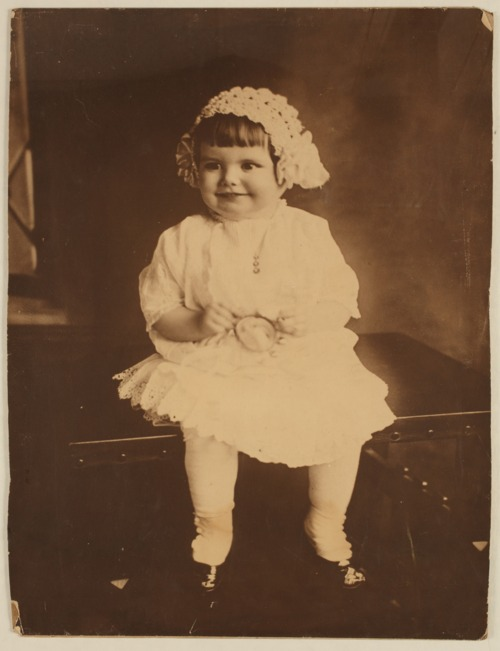 Unidentified young girl - Page