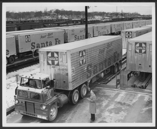 Atchison, Topeka & Santa Fe Railway Company truck trailers - Page