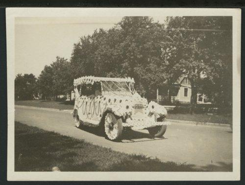 Santa Fe Trail centennial parade, Council Grove, Kansas - Page