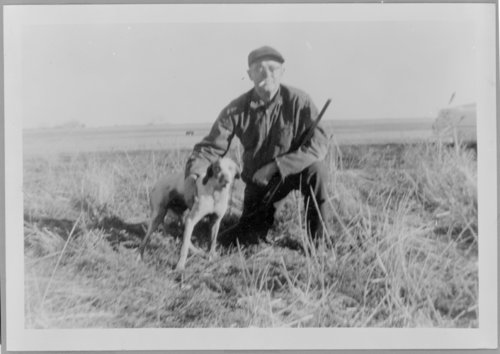Virgil Barnes and hunting dogs - Page