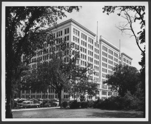 Atchison, Topeka & Santa Fe Railway Company offices, Topeka, Kansas - Page