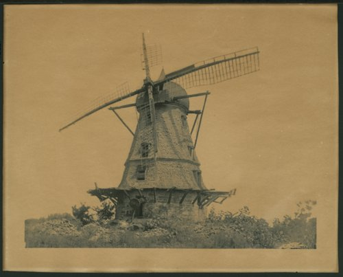 Dutch windmill in Lawrence, Kansas - Page