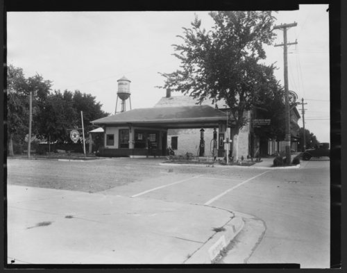 Texaco filling station, Humboldt, Allen County, Kansas - Page