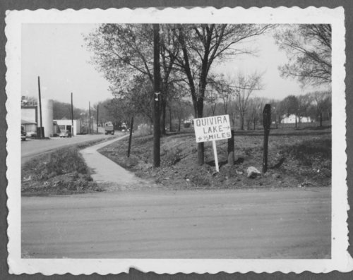 View of a road sign directing people to Lake Quivira, Kansas - Page