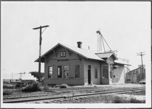 Atchison, Topeka & Santa Fe Railway Company depot, Moscow, Kansas - Page