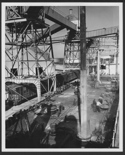 Atchison, Topeka & Santa Fe Railway Company's hopper cars - Page