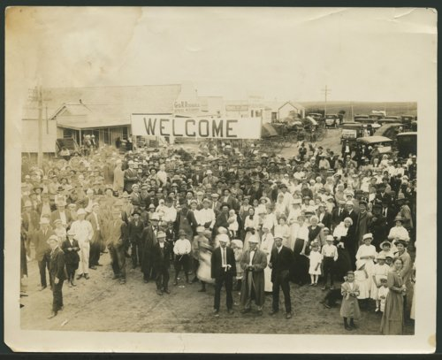 Large gathering in street, Liberal, Kansas - Page