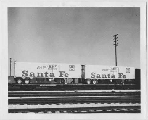 Atchison, Topeka & Santa Fe Railway Company's piggy-back trailers - Page