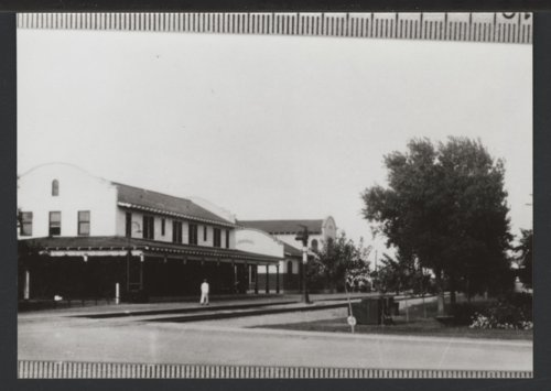 Hotel and railroad depot, Liberal, Kansas - Page