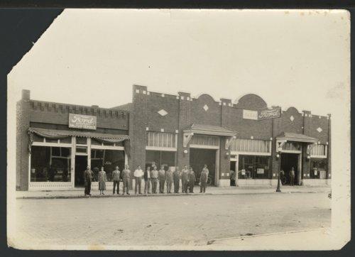 A. B. Hunt's garage, Liberal, Kansas - Page