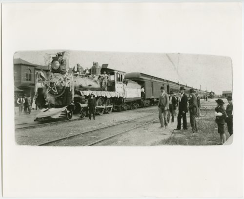 Atchison, Topeka and Santa Fe Railway Company's steam locomotive #517 - Page