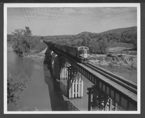 Atchison, Topeka & Santa Fe Railway Company diesel engine #109 - Page