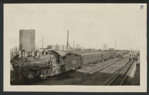 Atchison, Topeka & Santa Fe Railway Company's steam locomotive #528 - Page