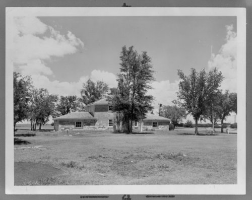 Views of the blockhouse at Fort Hays, Kansas - Page