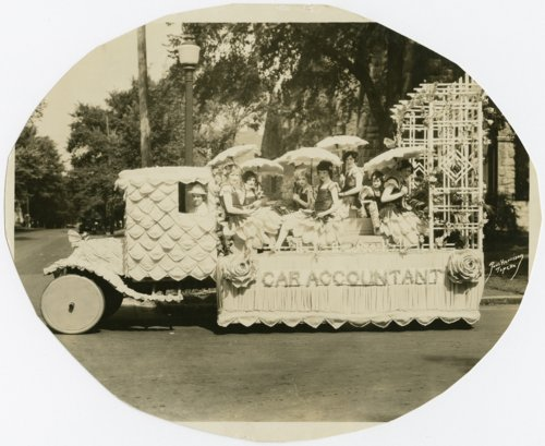 Parade float in Topeka, Kansas - Page