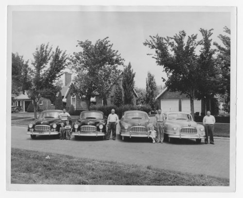 Michaelis family with their Nash cars in Russell, Kansas - Page