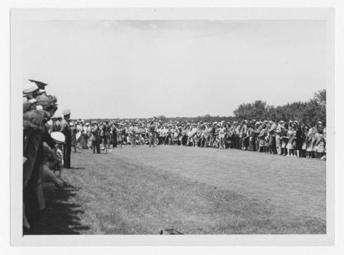 Bob Hope playing golf at the Topeka Country Club in Topeka, Kansas - Page