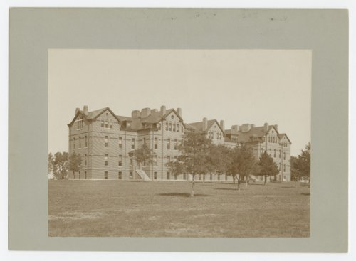 A view of the Knapp building at the Osawatomie State Hospital, Osawatomie, Kansas - Page