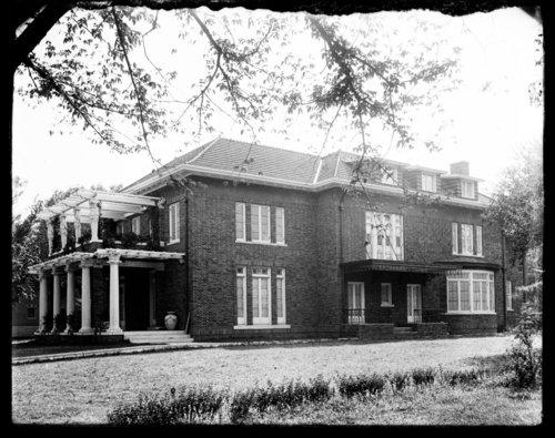 Hiram P. Dillon home in Topeka, Kansas - Page
