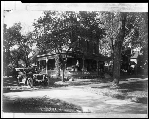 N. C. McFarland home at 919 Harrison in Topeka, Kansas - Page