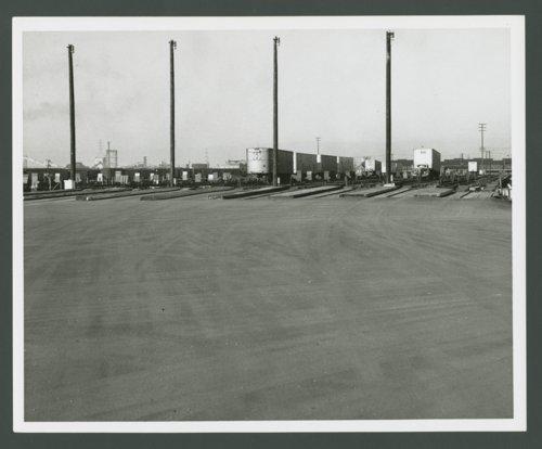 Atchison, Topeka & Santa Fe Railway Company's circus loading facility. - Page