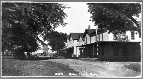 Hotel in Perry, Kansas - Page