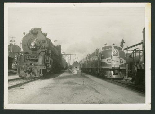 Atchison, Topeka & Santa Fe Railway engines in Wellington, Kansas - Page