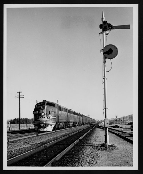 Atchison, Topeka & Santa Fe Railway Company's diesel engine - Page