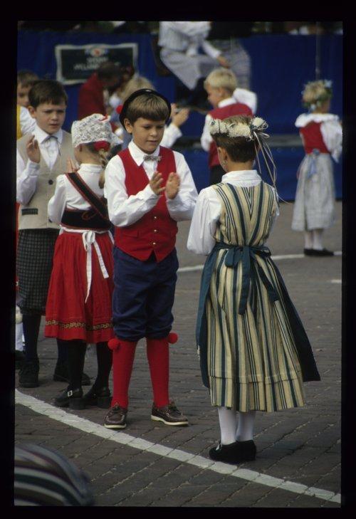 Soderstrom school dancers slide - Page